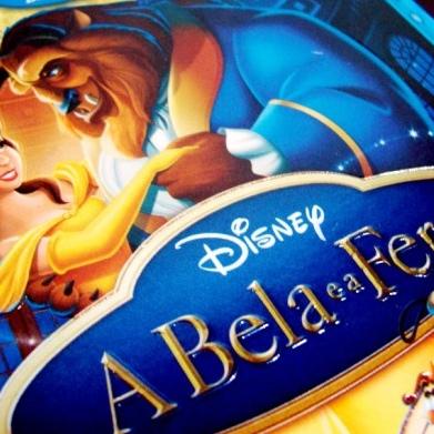 """Imagens da luva do Blu-ray nacional de """"A Bela e a Fera"""""""