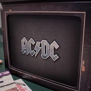 Post do Leitor: AC/DC's Backtracks Collector's Box Set