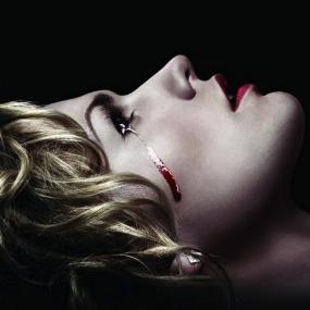 Sétima temporada de True Blood em pré-venda nos EUA com PT-BR
